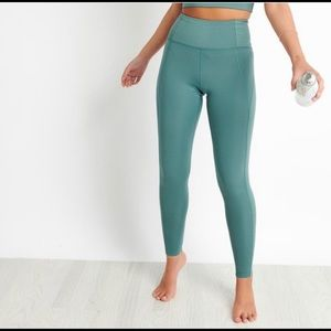 Girlfriend Collective Jade Leggings size large